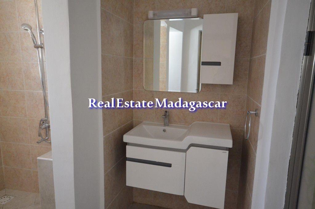 mahajanga-center-rental-apartments-4.jpg