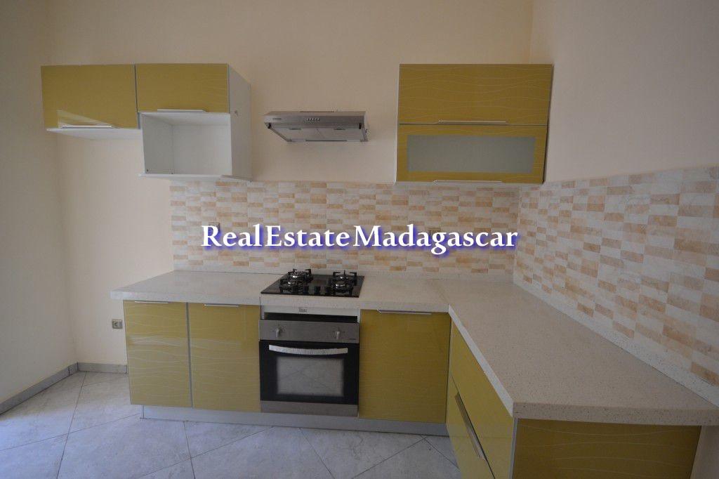 mahajanga-center-rental-apartments-5.jpg