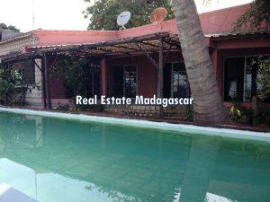 mahajanga-villa-rental-pool-1.jpg
