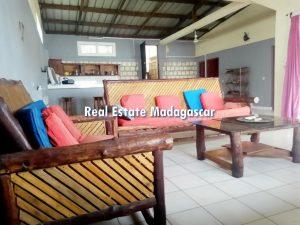 mahajanga-villa-rental-pool-4.jpg