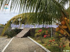 villa-for-sale-quality-environment-2.jpg