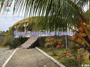 villa-for-sale-quality-environment-2.jpg