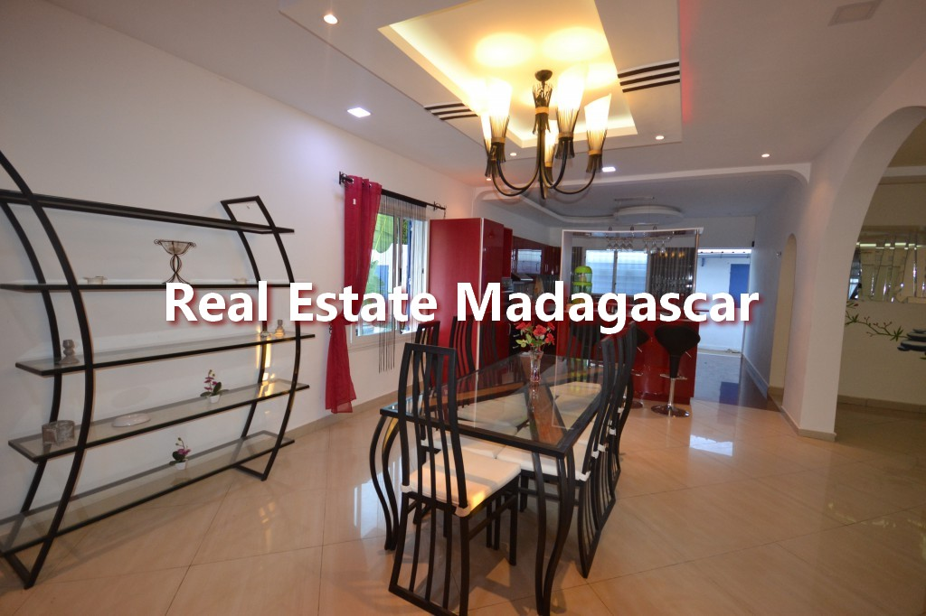 amborovy-mahajanga-furnished-villa-rental-2.jpg