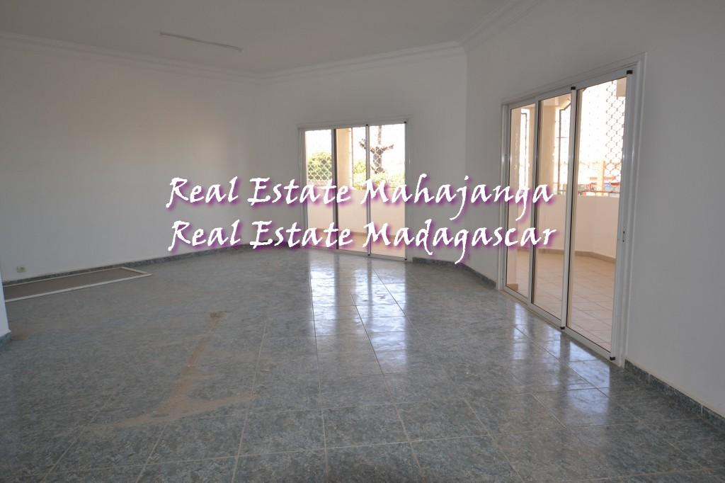 beautiful-apartment-of-200-m²-renovated-1.jpg
