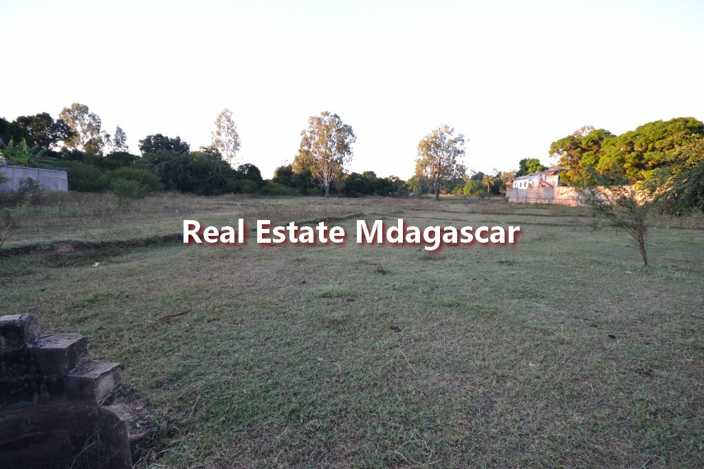 first-floor-land-for-sale-ambondrona-1.jpg