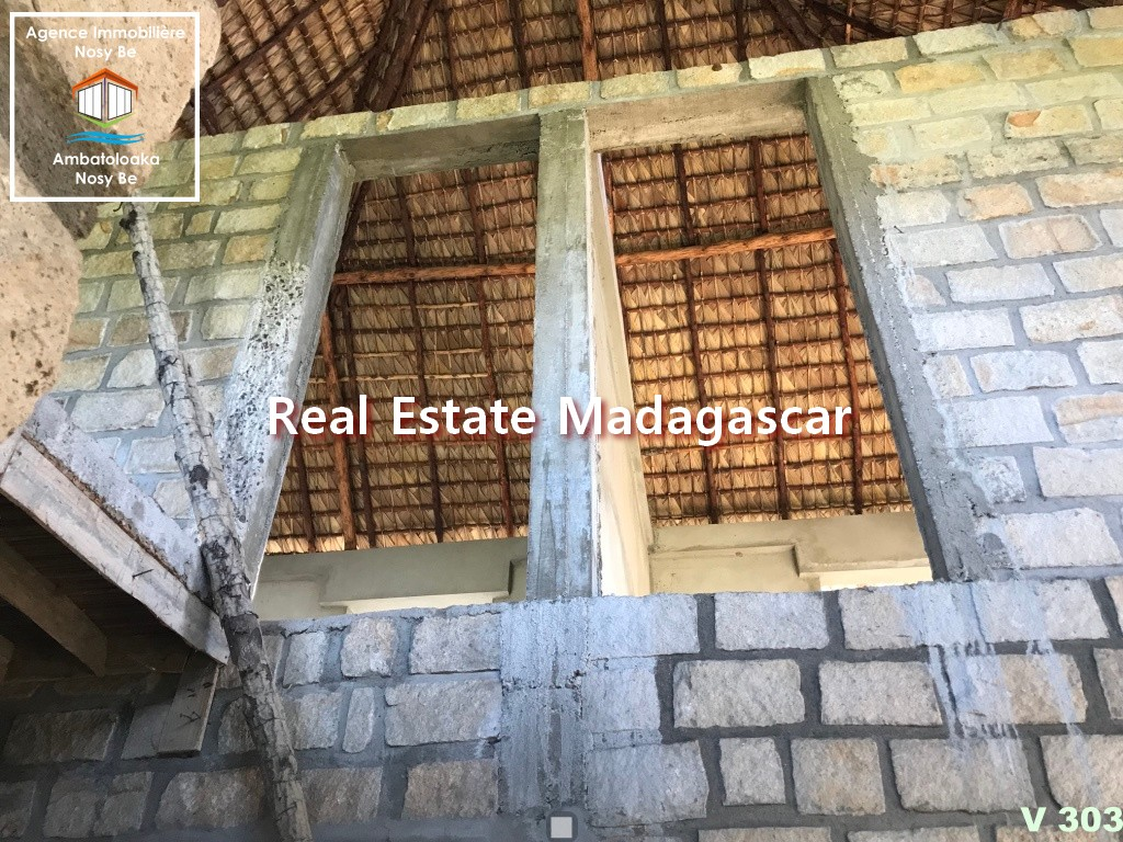 one-minute-from-the-beach-coconut-villa-for-sale-9.jpg
