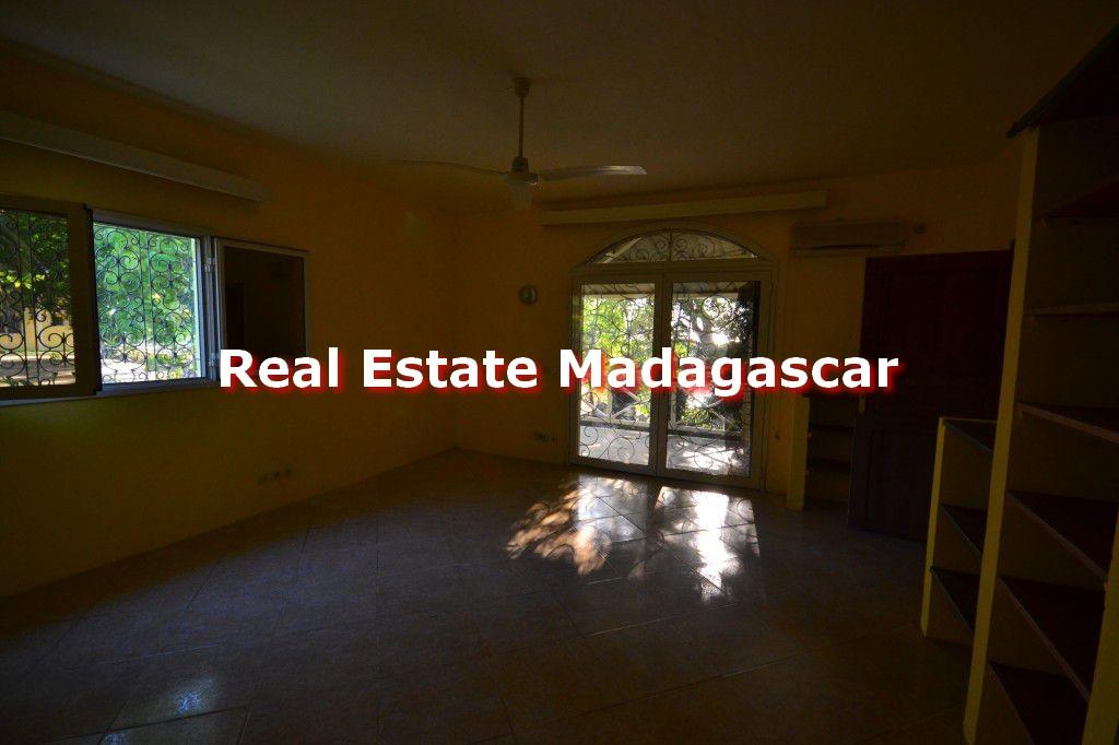 rent-house-mahajanga-mahavoky-avaratra-6.jpg