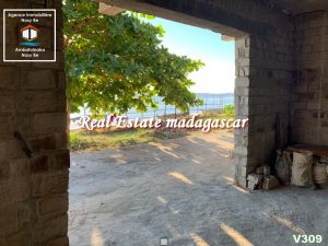 villa-for-sale-dzamandzar-nosybe-5.jpg