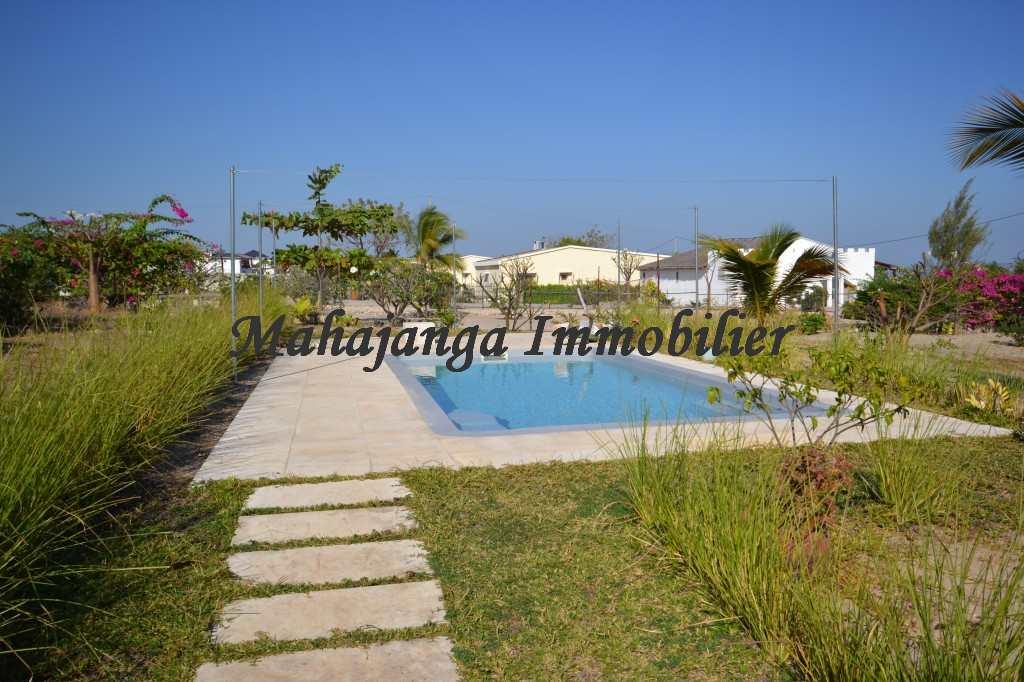 bungalow-for-rent-amborovy-maroala-1.jpg