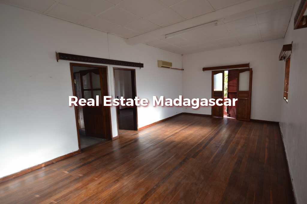small-villa-in-perfect-condition-mahajanga-4.jpg
