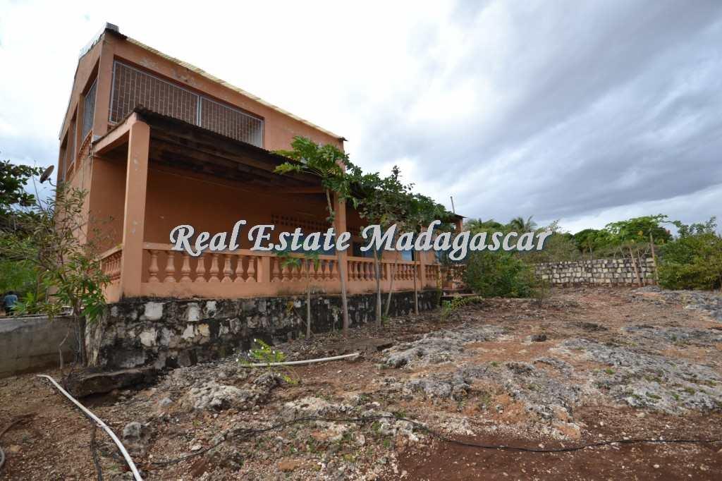 villa-for-sale-amparemahitsy-mahajanga-2.jpg