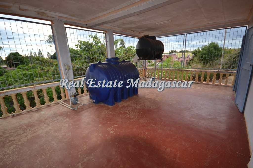 villa-for-sale-amparemahitsy-mahajanga-4.jpg