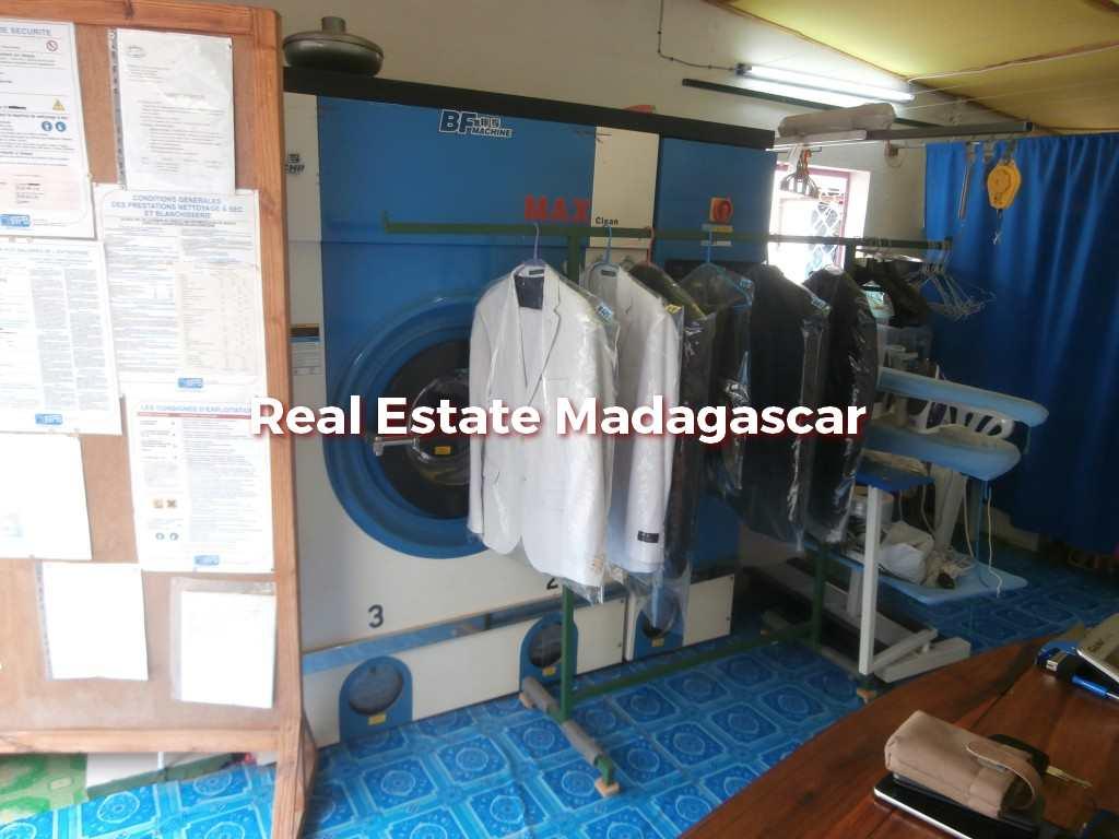 mahajanga-laundry-sale-1.jpg