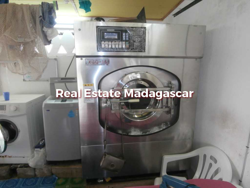 mahajanga-laundry-sale-3.jpg