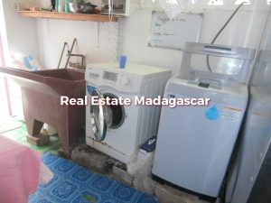 mahajanga-laundry-sale-4.jpg