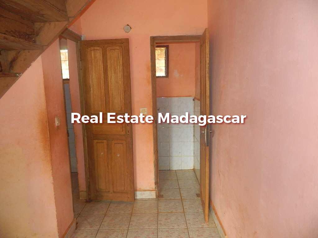 sale-house-low-price-diego-5.JPG
