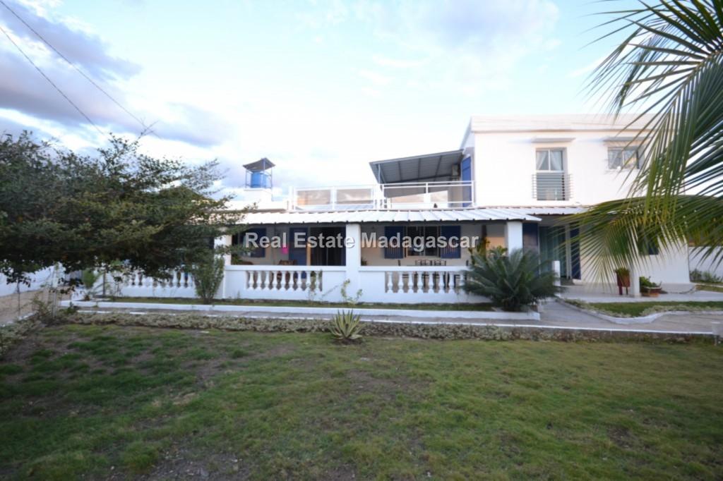 Sale furnished villa Amborovy Mahajanga 1.jpg