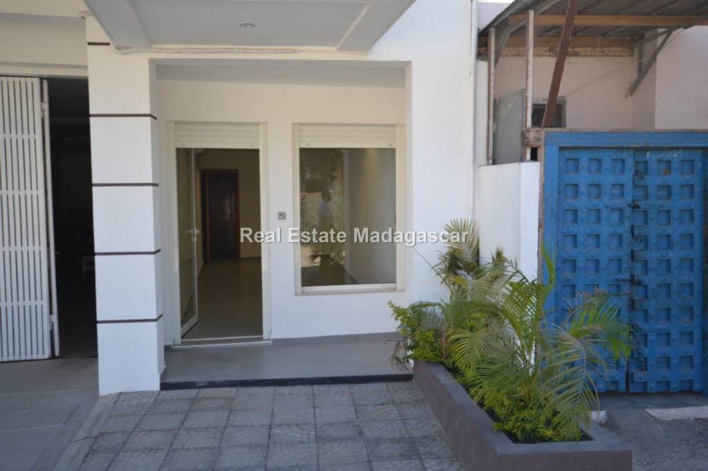 business-premises-rent-mahajanga-1.jpg