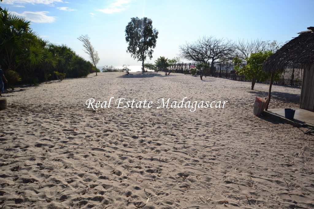 mahajanga-antsahabingo-land-sale-4.jpg