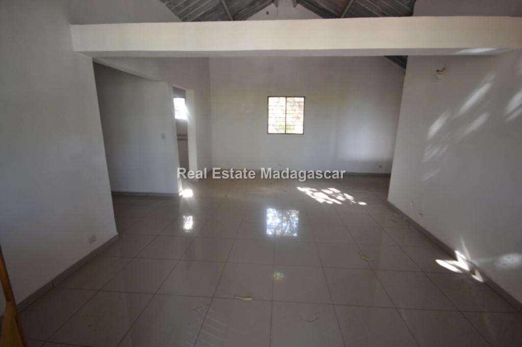 rent-mahajanga-amborovy-new-villas-2.jpg