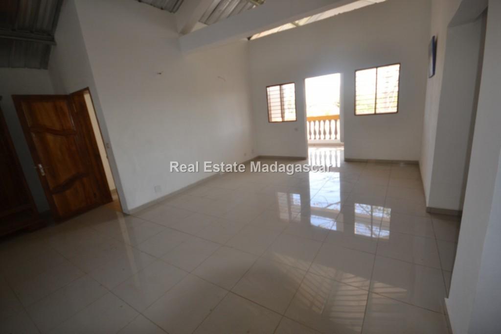 rent-mahajanga-amborovy-new-villas-3.jpg