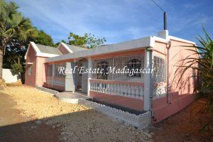 rental-new-villa-ambondrona-1.jpg