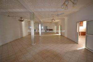 center-mahajanga-apartment-rental-21.jpg