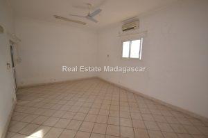 center-mahajanga-apartment-rental-22.jpg