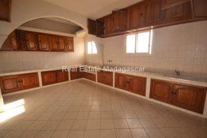 center-mahajanga-apartment-rental-23.jpg