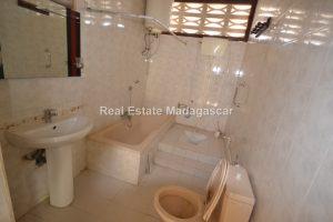 center-mahajanga-apartment-rental-24.jpg