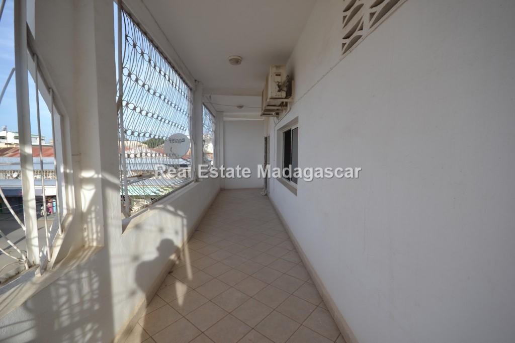 center-mahajanga-apartment-rental-25.jpg