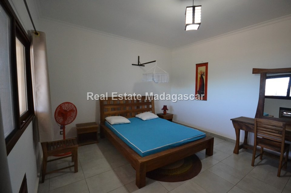 mahajanga-sea-view-villa-rental-2.jpg