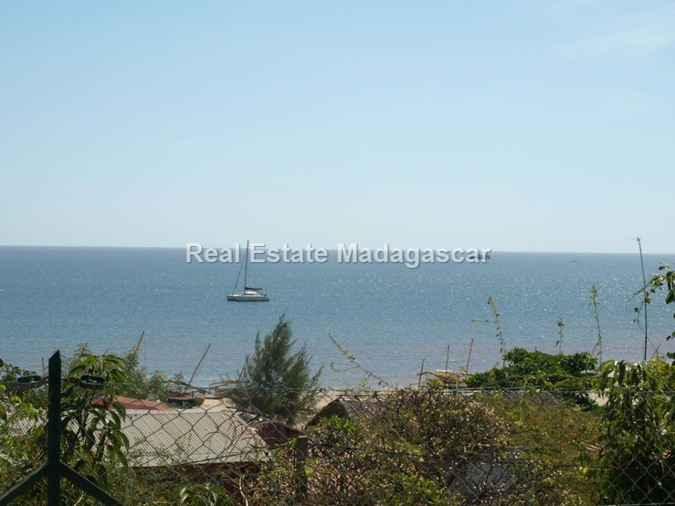 mahajanga-sea-view-villa-rental-3.jpg