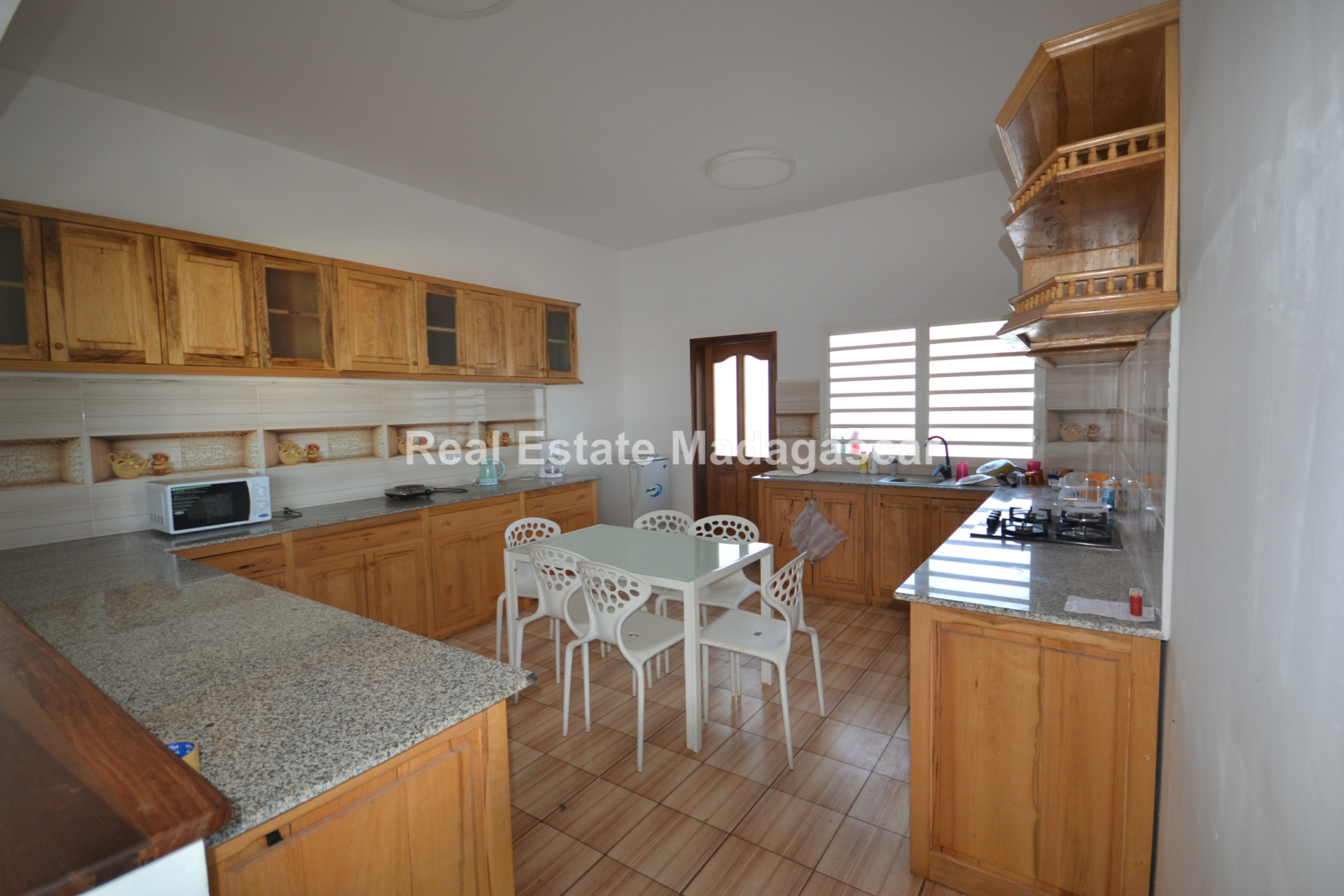 unfurnished-apartment-for-rent-2.jpg