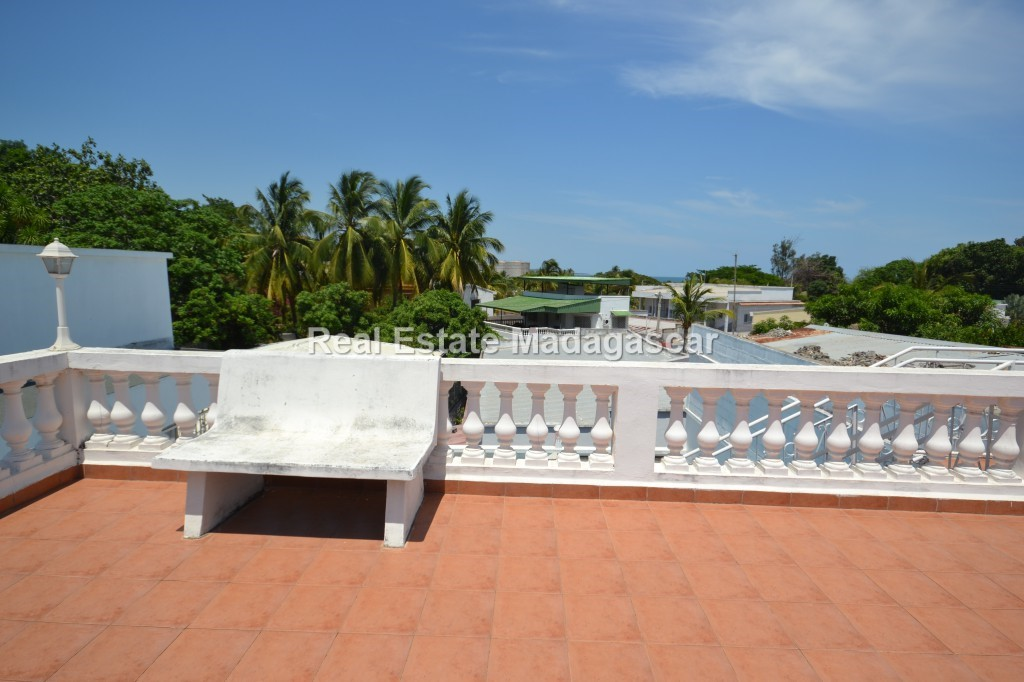 mahajanga-unfurnished-villa-for-sale-3.jpg