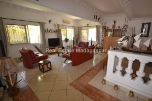 mahajanga-unfurnished-villa-for-sale-5.jpg