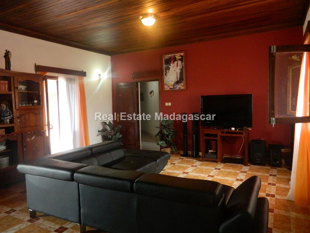 three-bedroom-furnished-villa-rental-1.jpg