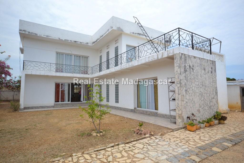 furnished-villa-for-sale-2.jpg