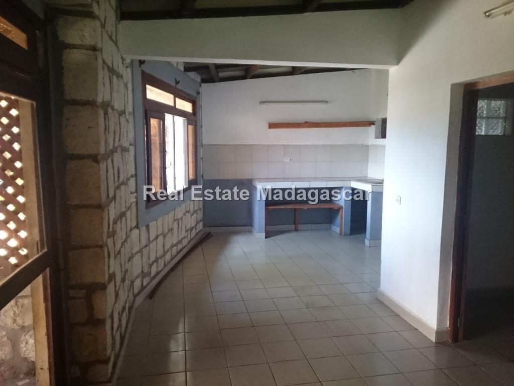 unfurnished-house-for-rent_0513.jpg