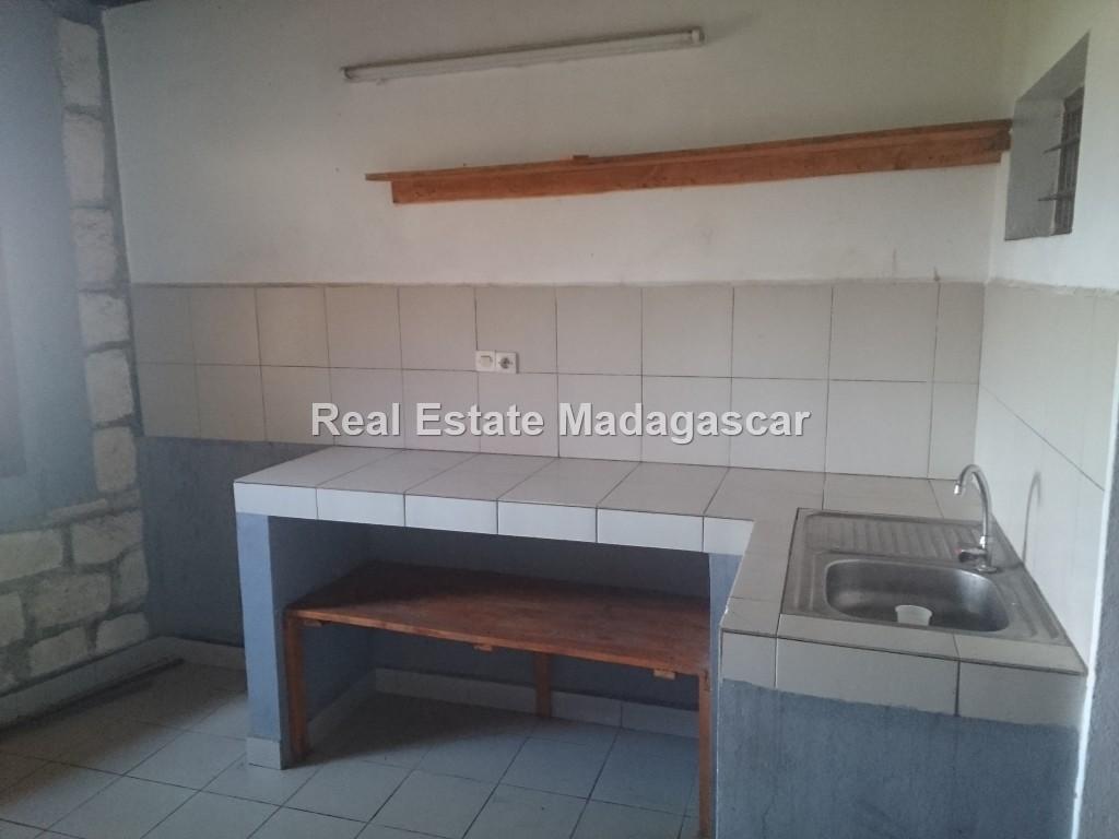 unfurnished-house-for-rent_0522.jpg