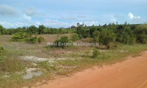 titled-bounded-land-for-sale_163752.jpg