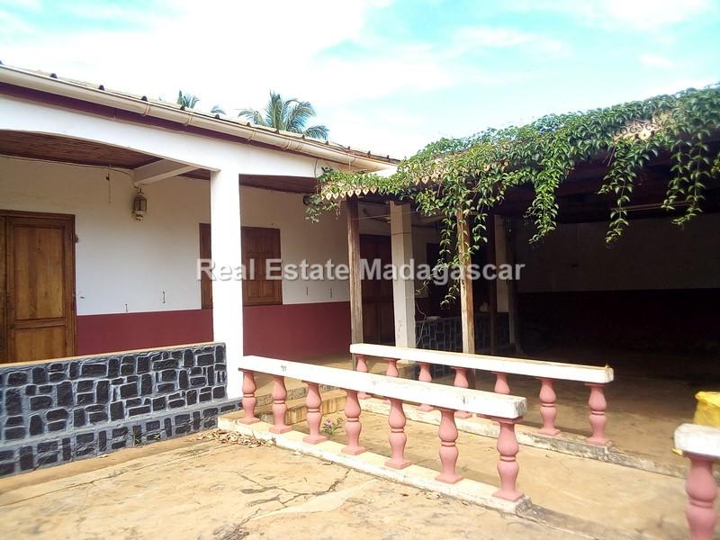 cite-btm-villa-rental-diego-suarez_091127.jpg