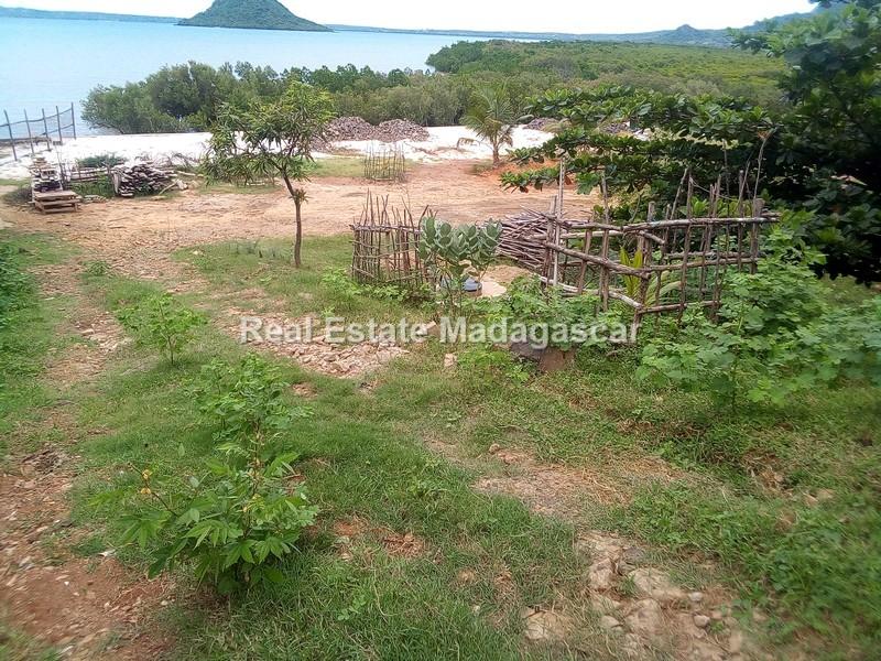 sale-roadside-and-seaside-land_152401.jpg