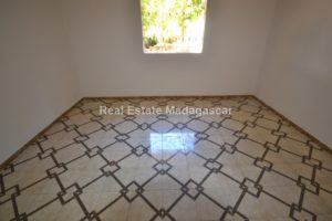 new-unfurnished-villa-for-rent_0011.jpg