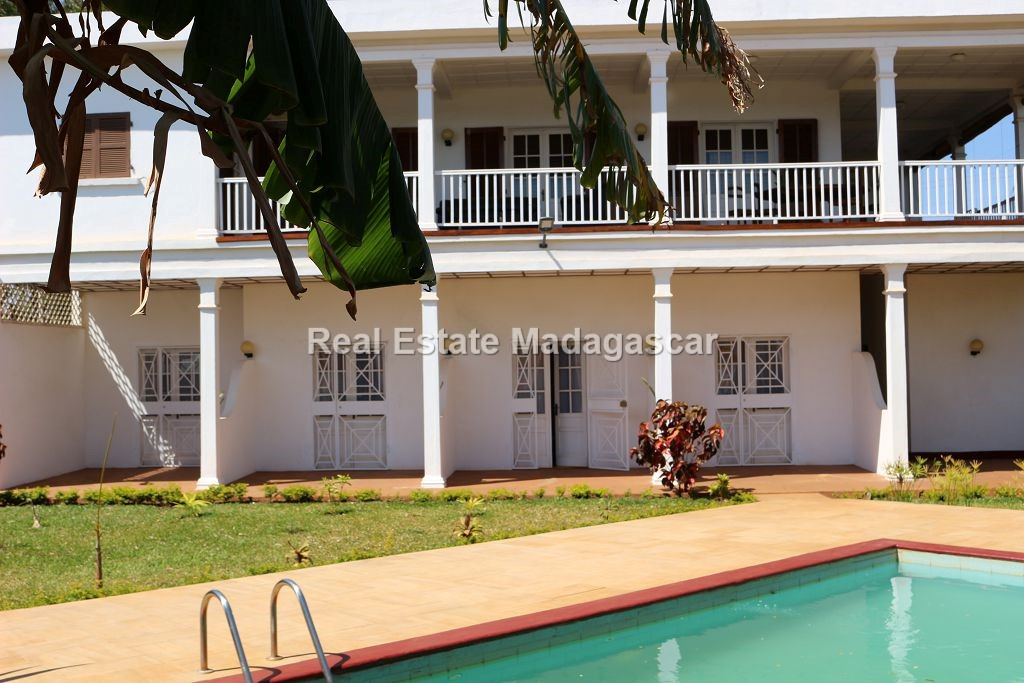 for-rent-beautiful-modern-furnished-villa-swimming-pool.jpg