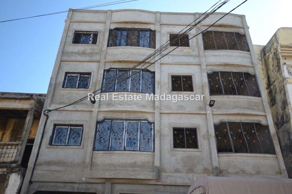a-building-for-sale-or-for-rent.jpg